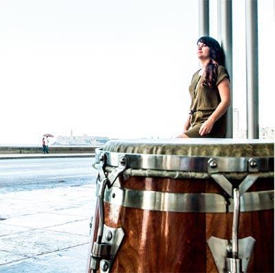 La percusión se viste de mujer