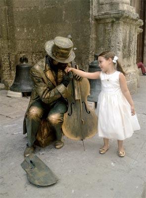 Living Statues of Havana